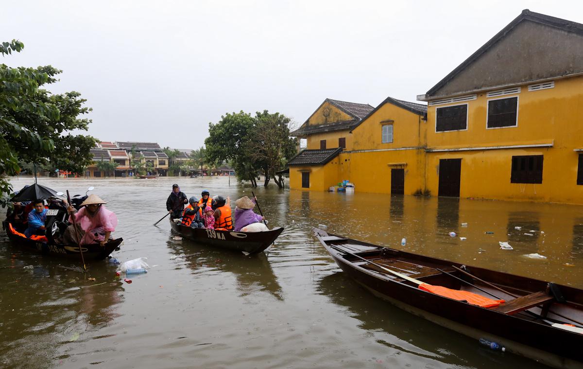 Thông Báo 2 Ủng Hộ Đồng Bào Lũ Lụt Tại Miền Trung